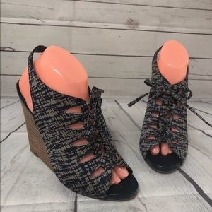 Anthropologie Due Farina Navy Wedge Lace 9 Sandal